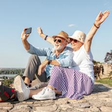 idosos apriveitando um viagem | Brumed